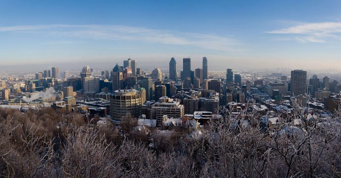 https://fr.wikipedia.org/wiki/Fichier:Montreal_Skyline_winter_panorama_Jan_2006.jpg